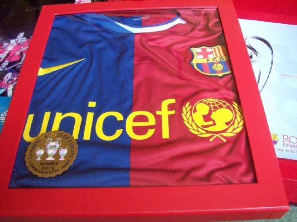2009 Barcelona Champions League Adults XXL Boxed BNWT Football Shirt Camiseta Number 16